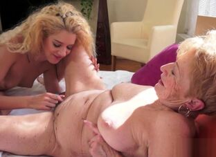 Beamy titty granny porn