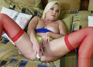 Milf wet panties
